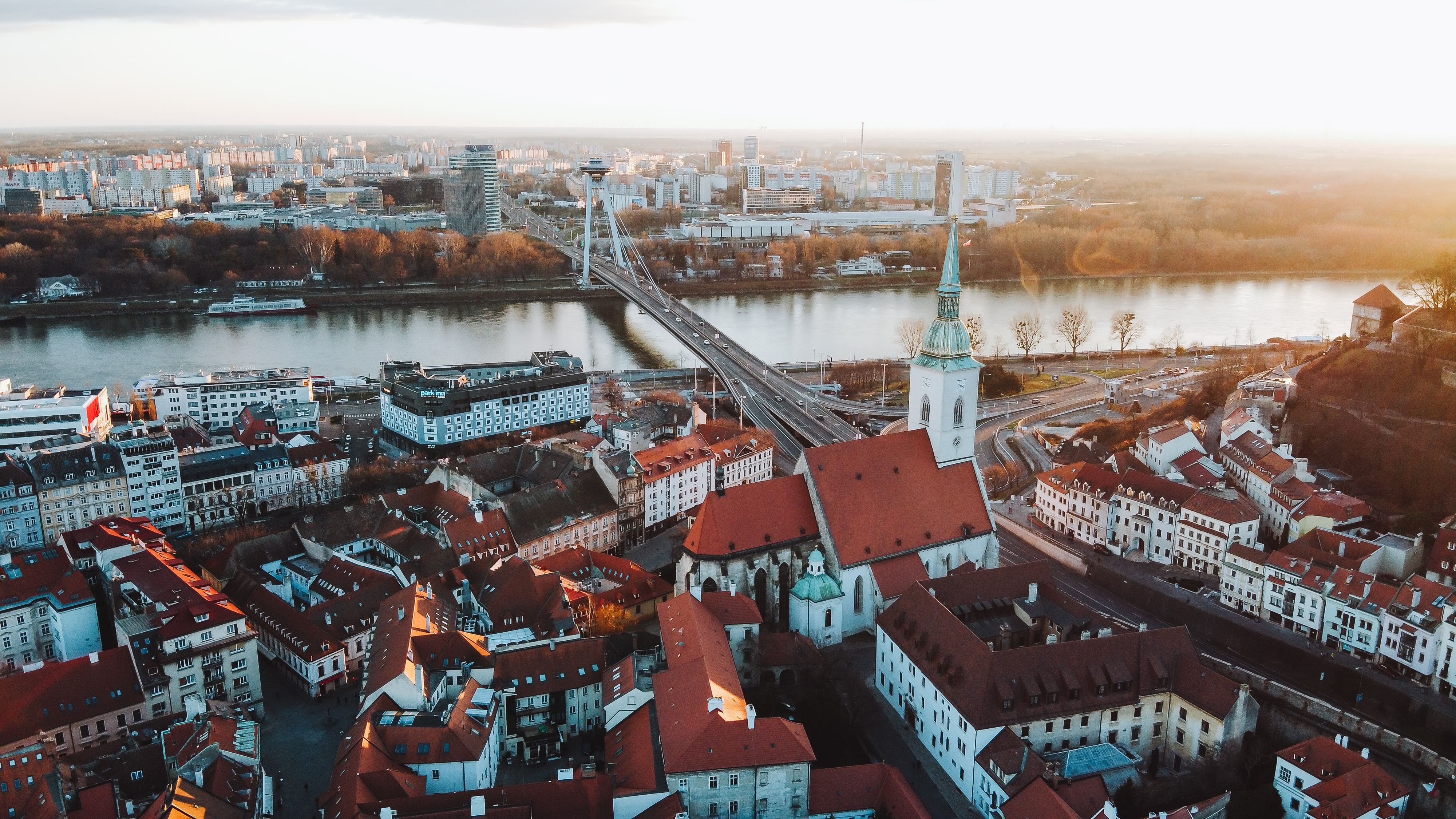 Ознайомчий Тур по Університетам і Середнім Навчальним Закладам Словаччини